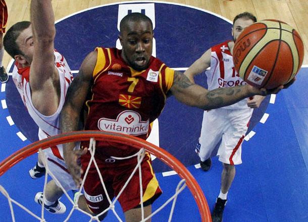 Bo McCalebb Layup FIBA Macedonia